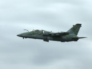 [Brasil] Aviadora da FAB faz primeiro voo solo em avião de combate I1155181724148958