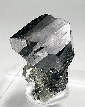 PIEDRAS COLOR PLATA GRISACEA,MUY CONDUCTIVA NO FERROSA Cassiterite-NE60M7m