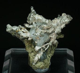 encontramos actinolita  Silver-EC70Y2fm