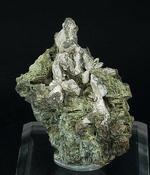 encontramos actinolita  Silver-ED51Y2fm