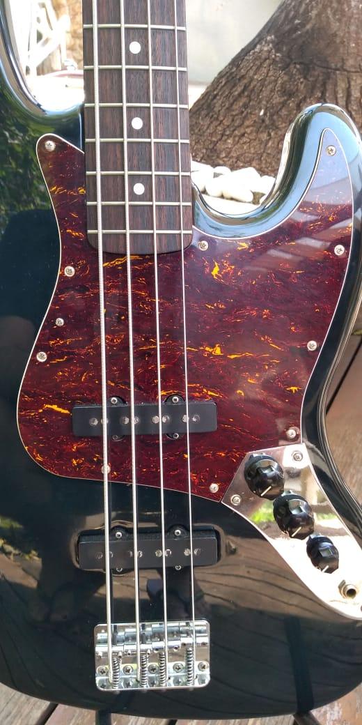 Ajudinha sobre autenticidade de Fender Jazz Bass Mexicano 2