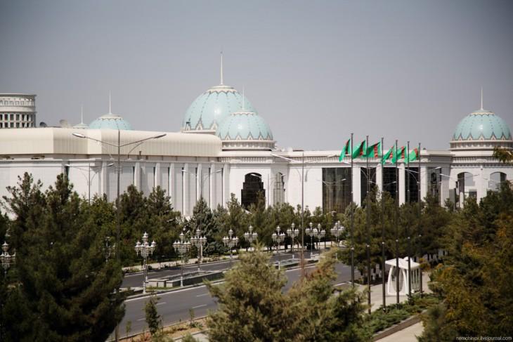 Ашхабад - самый закрытый город мира 639-730x487
