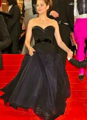 2ème personnage d'ajonc - 28 avril trouvé par Martine Marion-Cotillard-une-robe-de-soir%C3%A9e-bustier-dune-grande-%C3%A9l%C3%A9gance
