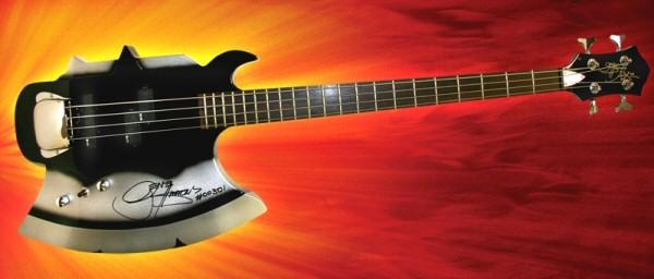 Tipos de baixo Gene-simmons-axe-bass-real