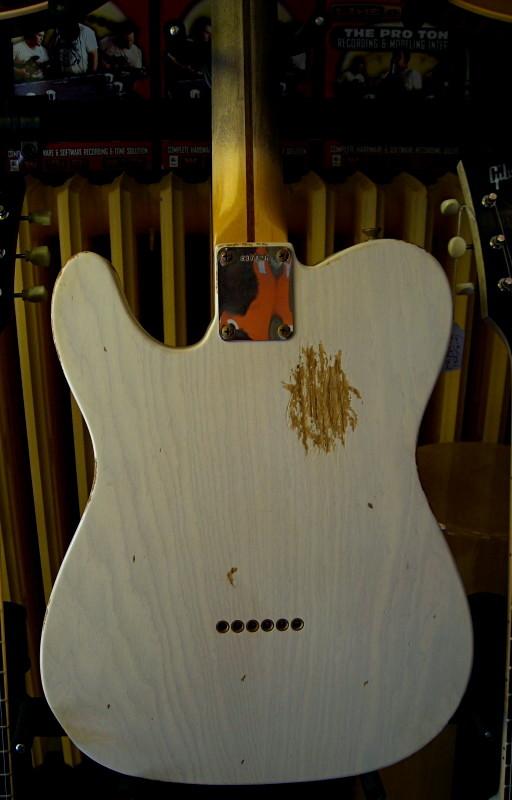 les fender precision Custom_Shop_telecaster_58_relic_white_back