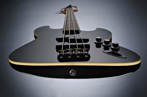 les fender jazz bass Fender_jazzbass_aerodyn_inpage