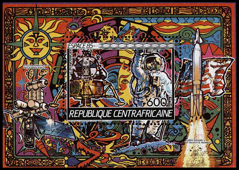 AstroPhilathélie - Page 8 Centralafrican_1985_space_mi_block_343a