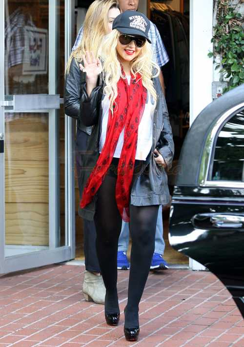 [Fotos+Video] Christina Aguilera y su Hermano yendo de Compras a Fred Segal (30/Mar/12) FP_8051307_Aguilera_Christina_POD_01_07