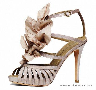 Архив. Весна-лето 2011: модные тенденции - Страница 5 Vechernyaya-obuv-2011-diego-donna-karan