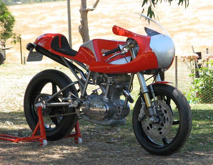 Ici on balance les Monos Ducati - Page 9 CafeBike_Ducati450