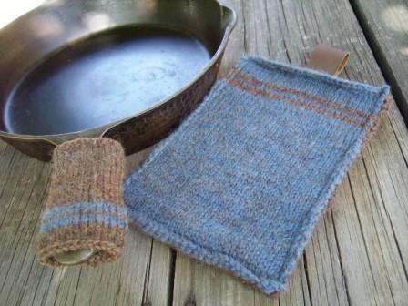 Provocare tricotat nr. 3 - Ceva nou pentru casa Rugged-Camper-Cooking-Set