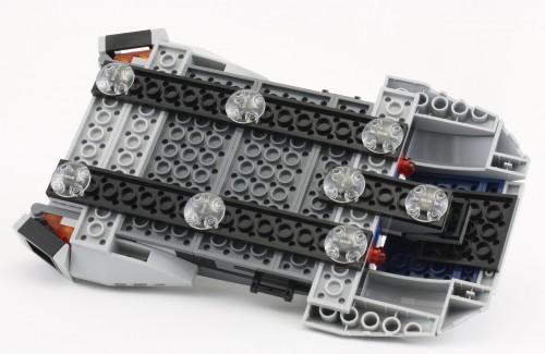 75022 Mandalorian Speeder Speeder-Underside-500x325