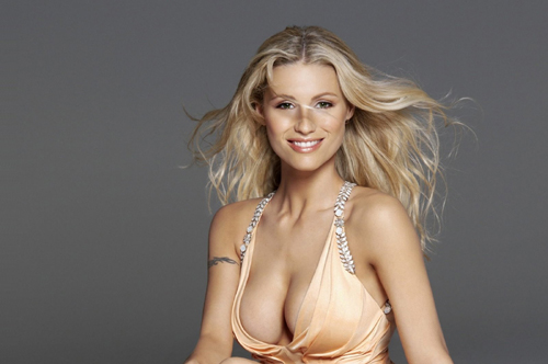 A tutta gnocca! (Parte seconda) - Pagina 6 Michelle-hunziker-is-also-the-representative-of-the-hot-swiss-girls-with-a-big-pair-of-ahem