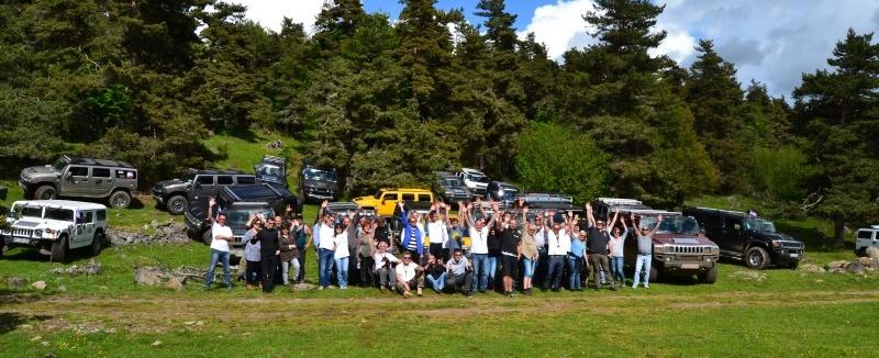 Pour la 5éme édition du rallye Hummerbox , nous avons 20 Hummers déjà inscrits venant de la Corse , Tarn , Bretagne , Oise ... Belgique et Suisse ! C'est devenu le plus gros rassemblement européens de Hummer grâce à votre participation Dsc_1210