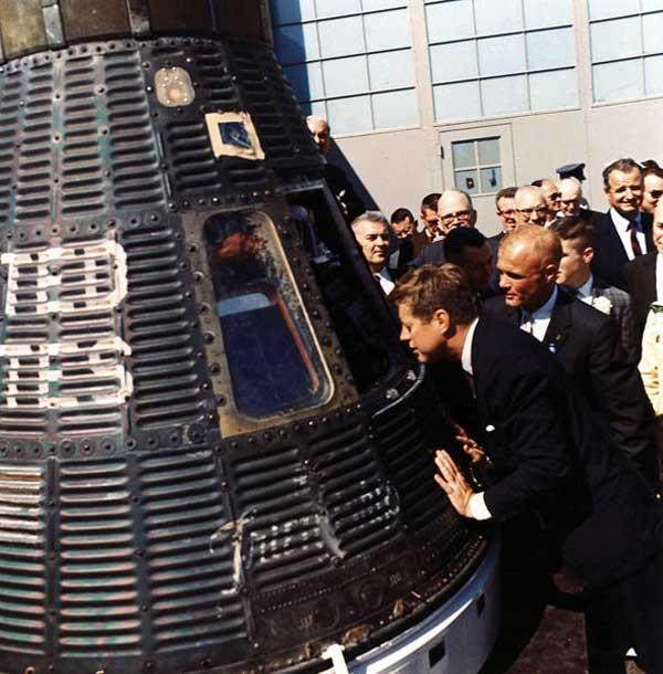 Mercury-Atlas MA-6 (Friendship 7) - CCAFS - 20.2.1962 Friendship-7-mercury-capsule-kennedy