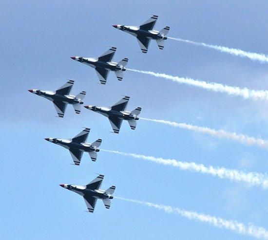 Líbia: posição dos aviões aliados revelada no Twitter SS-2011-03-23_12.02.24