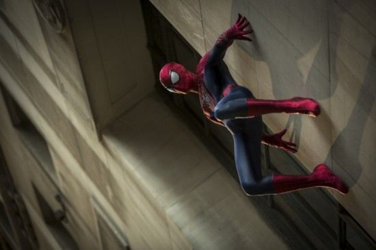 Museums Don't Just Rob Themselves (Hooded Spider) The-amazing-spider-man-movie-photo-7-550x366