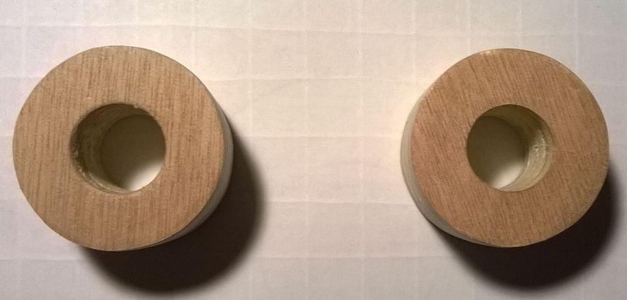 """3 - """"ZOOM"""" sur l'axe de roulement 2-rondelles-moyeux-perces-16mm"""