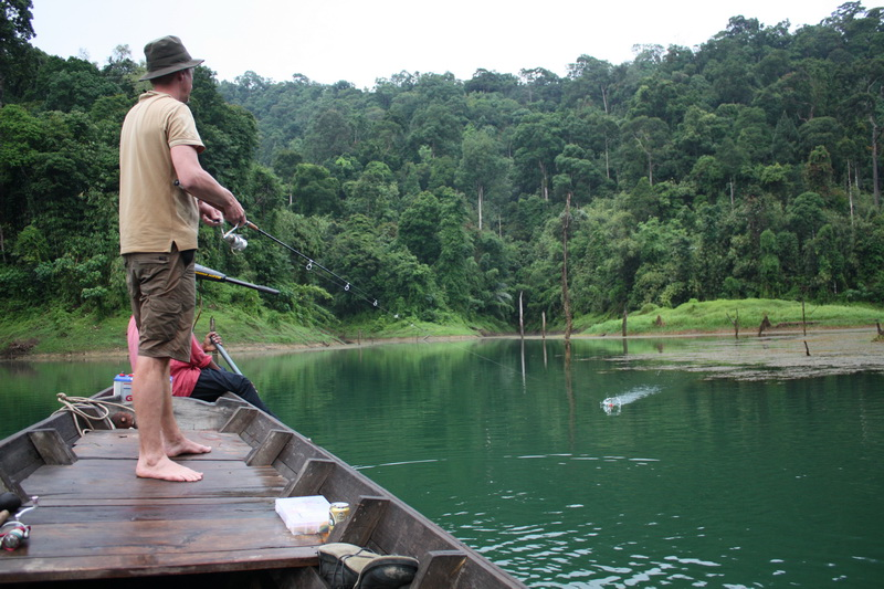 Ribolov na fotkama - Page 4 Jungle-River-Fishing-Chaeow-lan-may-09-136