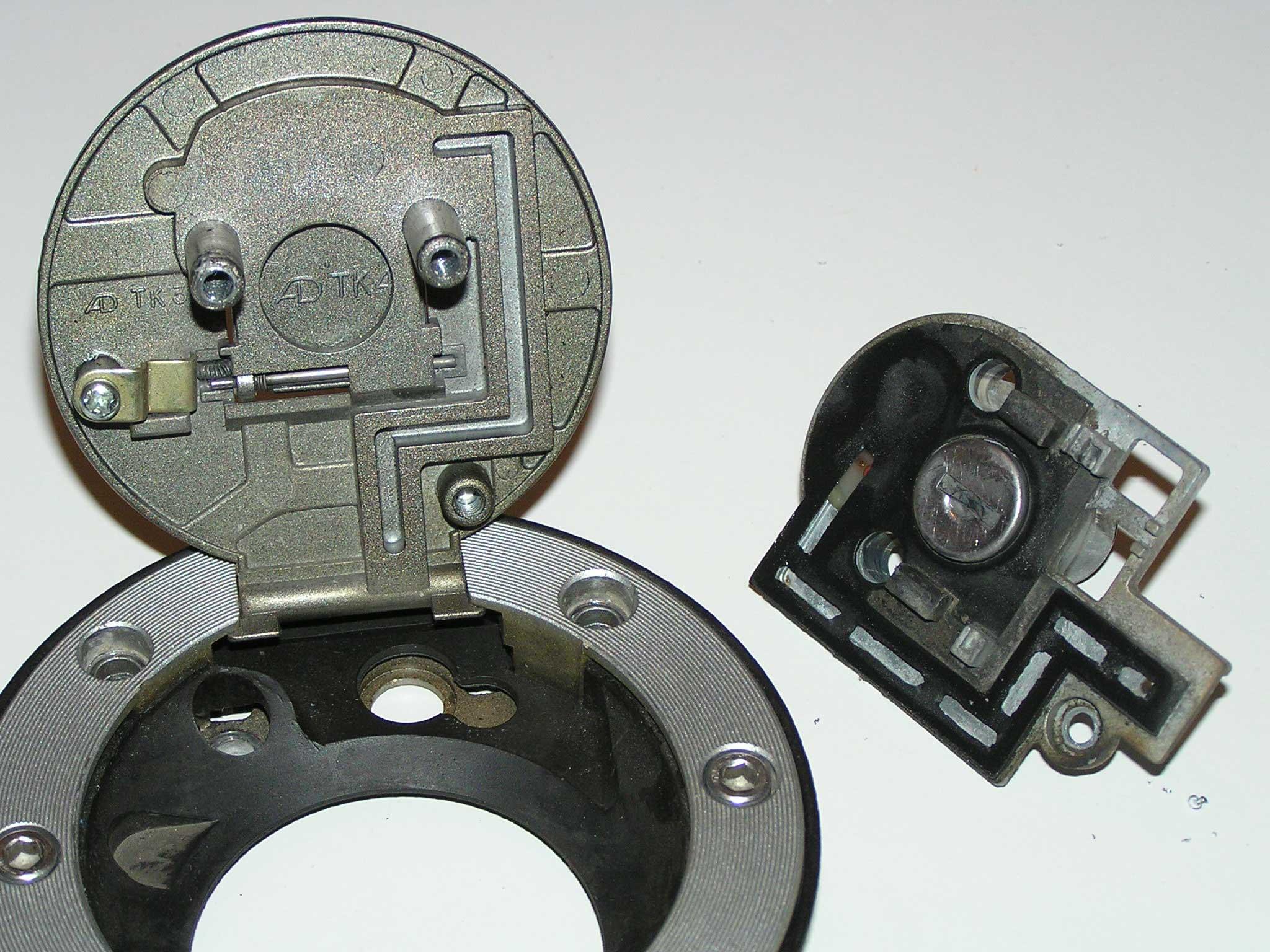 Truco del tapón de gasolina para q la moto respire mejor Tpn3