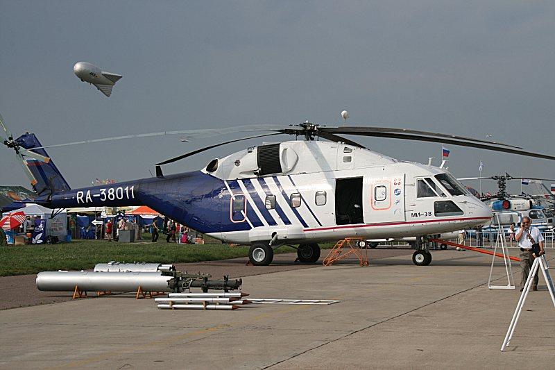 Mil Mi-38  ( Helicóptero de transporte medio Rusia ) Day03_010