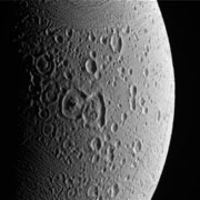 Cassini va s'approcher des geysers d'Encelade ... Ence03