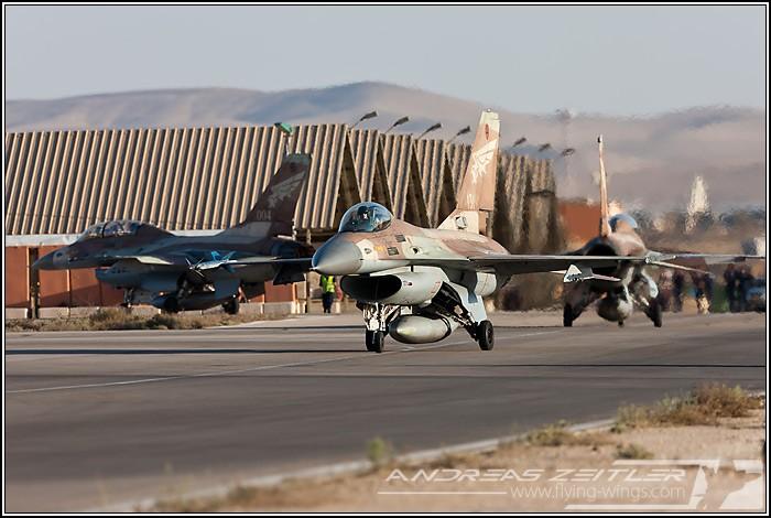 Nevatim : مقر قيادة سلاح الجو الاسرائيلي تحت الأرض Israel_F-16-5168_Zeitler_700_470_90