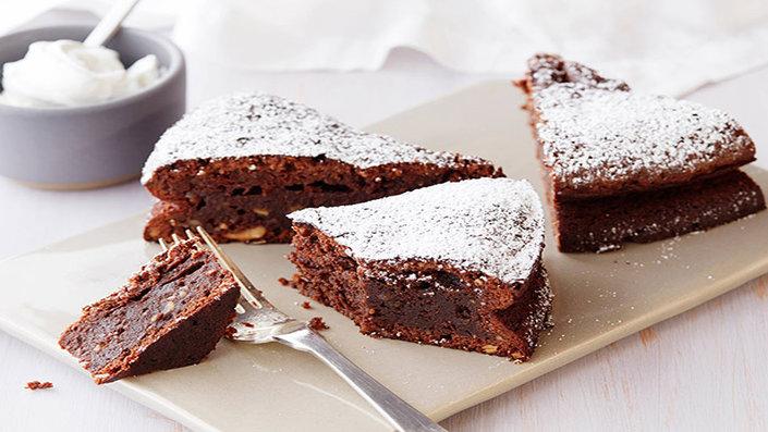 Saluti di Giugno Ccutg308-hazelnut-chocolate-birthday-cake-with-vanilla-ice-cream-figs-recipe-s4x3-jpg