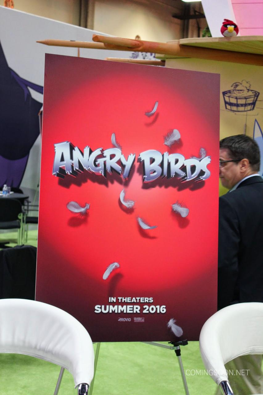 [Columbia Pictures - Rovio] Angry Birds (1 Juillet 2016 au US) Licensing-expo-angry-birds
