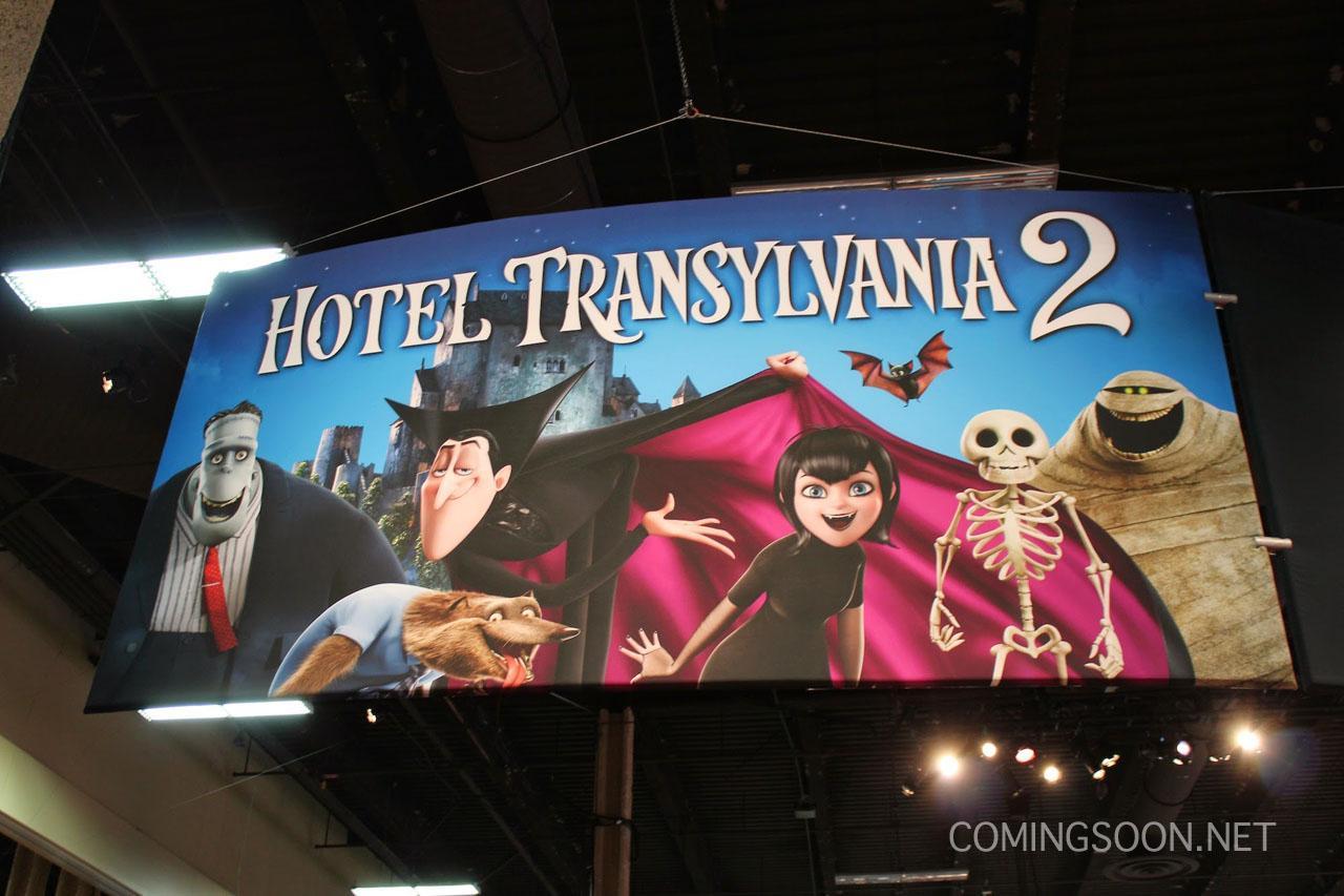 [Columbia • Sony] Hôtel Transylvanie 2 (7 octobre 2015) Licensing-expo-hotel-transylvania-2