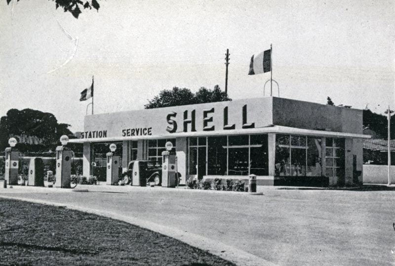 << Le plein SVP !>> Un peu d'histoire Station-Shell-1951