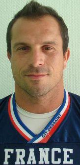 Football américain (NFL) Cedric-cotar-capitaine-et-linebacker