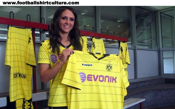 Maillot [2010-2011] - Page 2 Borussia-dortmund-10-11-kappa-home-kit