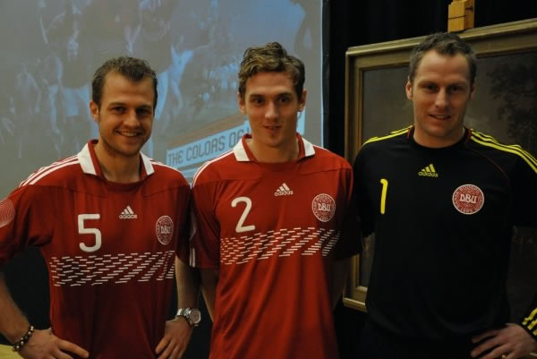 Road To the World Cup 2010 in South African Denmark-10-12-adidas-home-kit-3