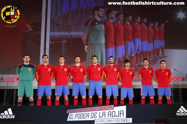 Hilo de la selección de España (selección española) Spain-10-12-adidas-home-kit-6