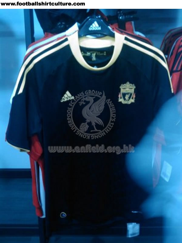 Maillot [2010-2011] Liverpool-10-12-adidas-third-shirt-leaked