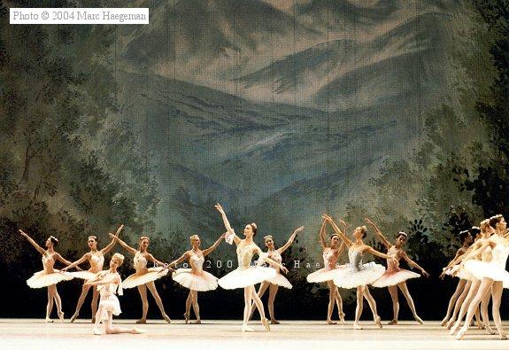 Corps du Ballet Don Quichotte London9