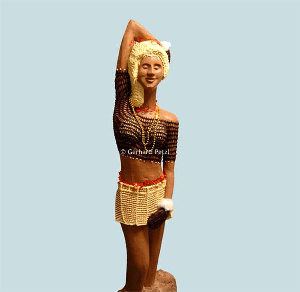 Chocolate Art Chocolate_sculptures-woman-1