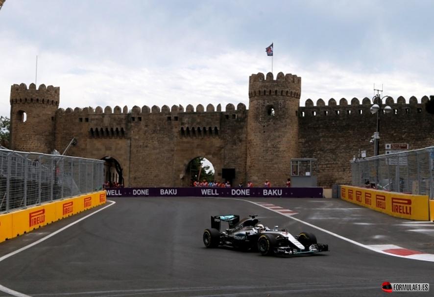 Gran Premio de Europa 2016 Hamilton-Baku-FP1