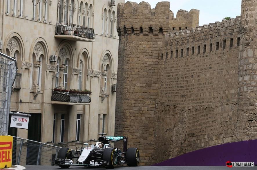 Gran Premio de Europa 2016 Lewis-Azerbaiyan-fp2