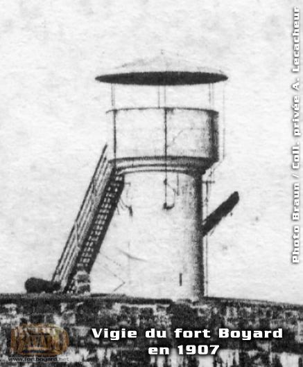 Photos de Fort Boyard avant sa restauration de 1990 Fortboyard_vigie1907