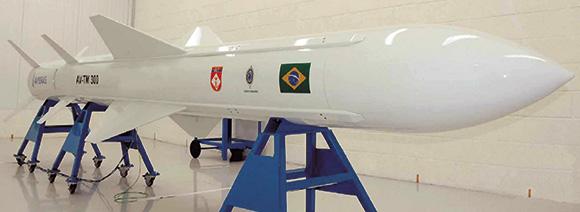 Brasil prueba Misil de Crucero nacional por primera vez. MTC-300