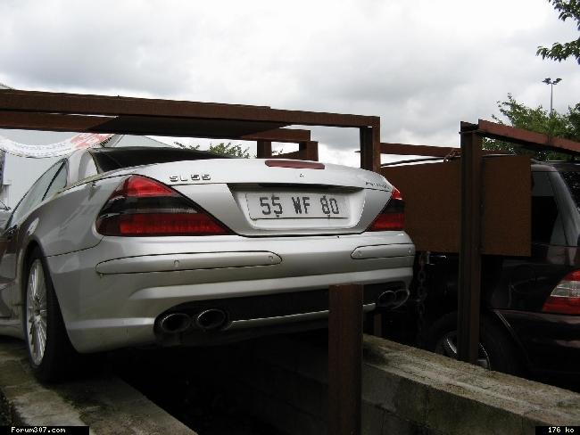 Abandon de Mercedes en signe de protestation ! [Amiens] 2zb94ix