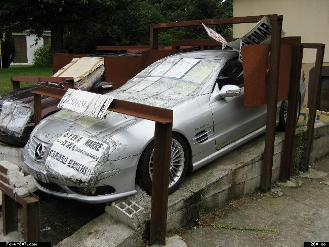 Abandon de Mercedes en signe de protestation ! [Amiens] 4yode1d