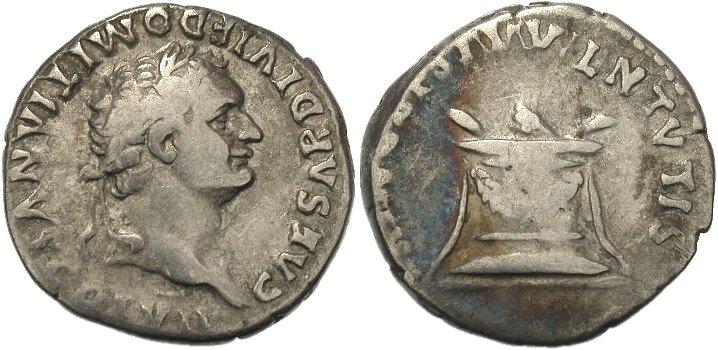 Denario de Domiciano. PRINCEPS IVVENTVTIS. Altar. Ceca Roma. 70146q00