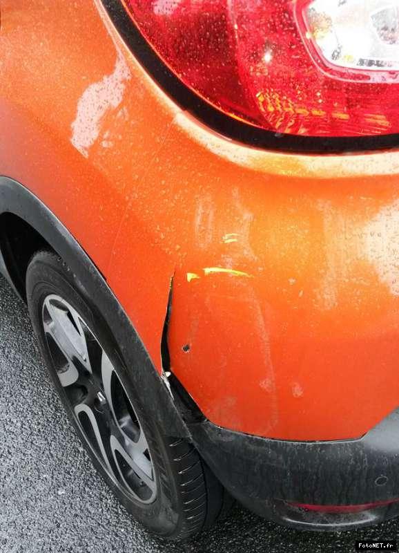 [Frederic69] Renault Captur -Aile AR cassée 14912068631