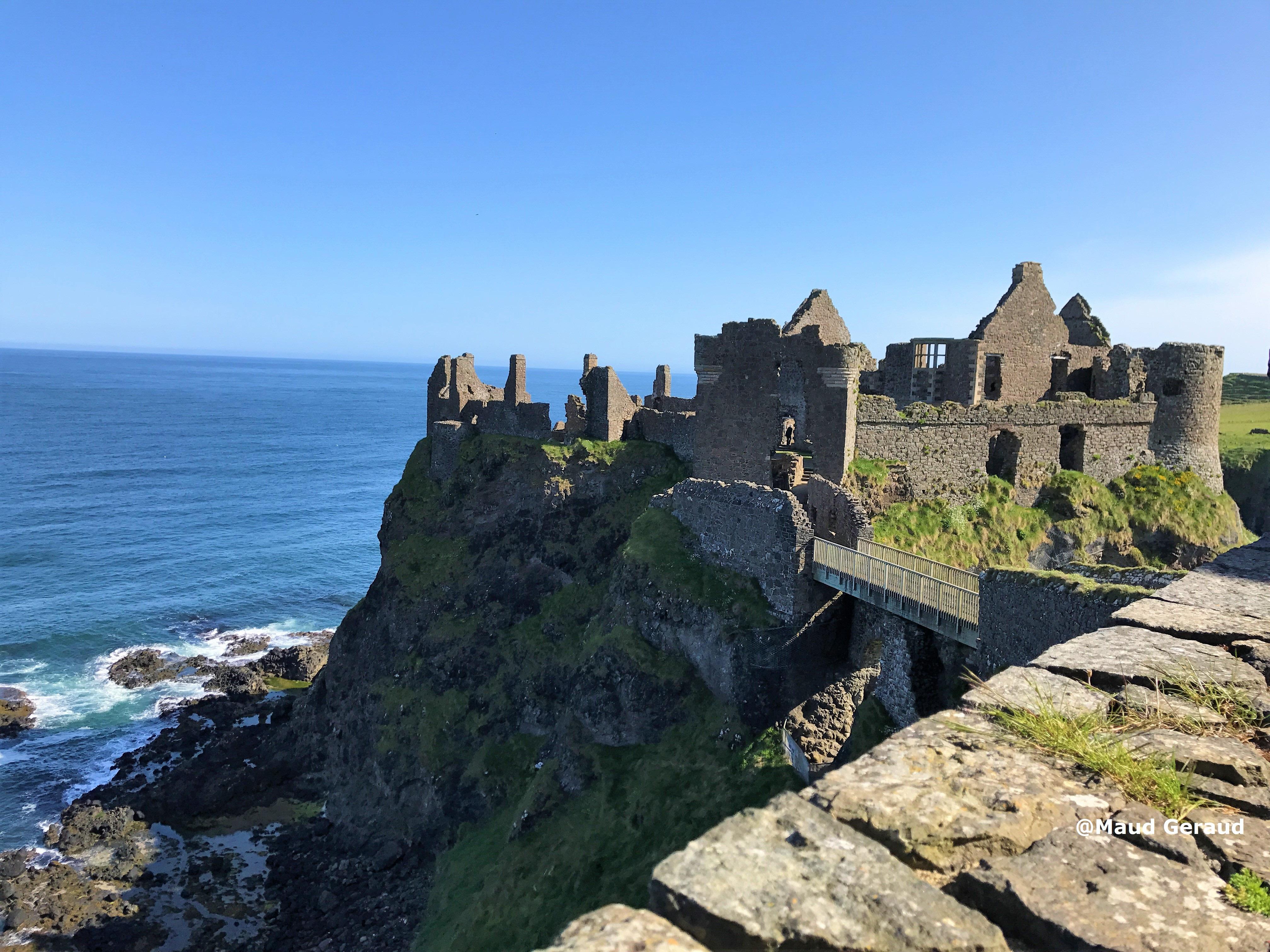 que suis -je et où? - ajonc- 25 mars bravo Jovany Dunluce-Castle-2