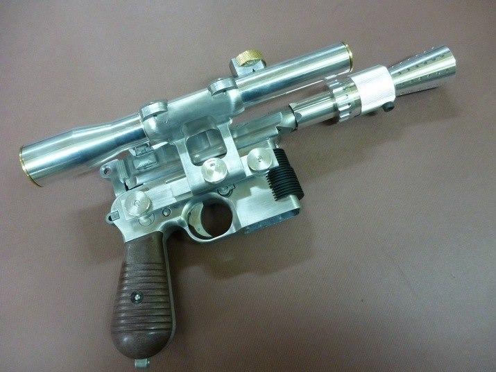WE sortant son Mauser C96, ils en profitent ... Gallery_2390_11_60738