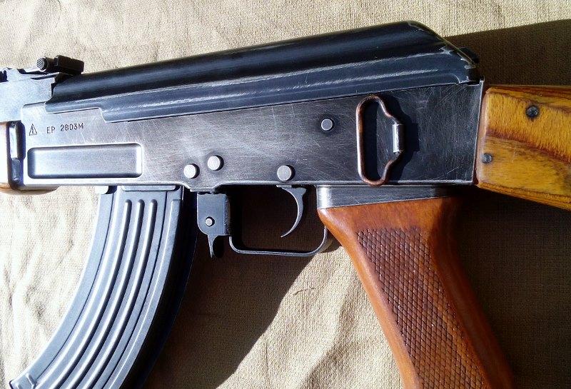 AK47 Type 3 marui - customisation avec du vrai bois d'arbres Gallery_22386_514_182007