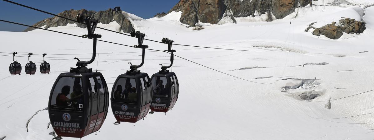 Quarante-cinq personnes passent la nuit dans des télécabines bloquées dans le massif du Mont-Blanc  10694289